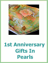 1st anniversary gifts in pearls