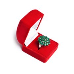 Chrysoprase ring - gemstone for 18th anniversary