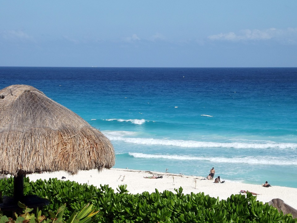 romantic mexico getaway - cancun beach