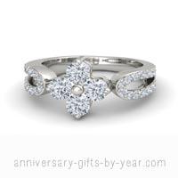 4 diamond flower anniversary ring