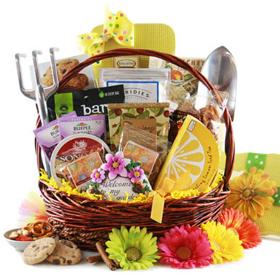 Gardening gift basket ideas for the perfect anniversary gift garden gift basket workwithnaturefo