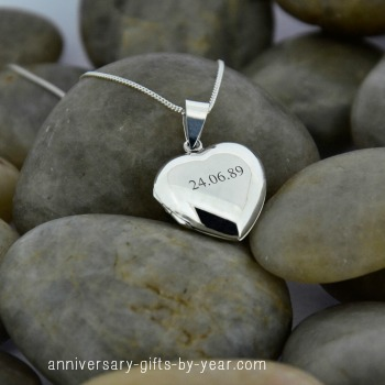 personalized silver anniversary locket