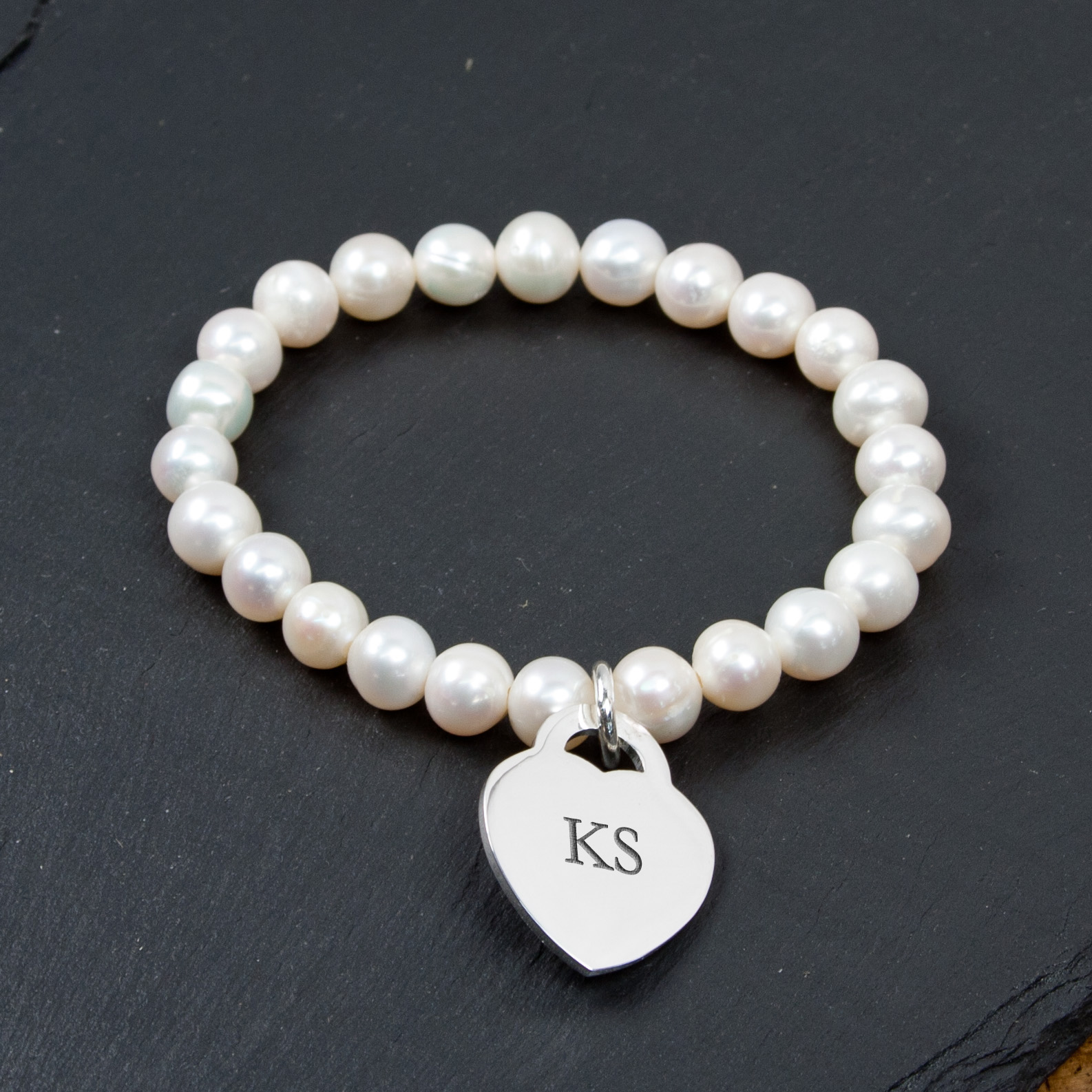 Engraved pearl bracelet
