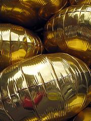 gold anniversary balloons